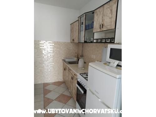 Ivo Nedić Apartmány - ostrov Vir Chorvatsko