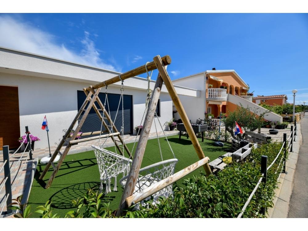 Apartamenty-MGM Vir - ostrov Vir Chorwacja