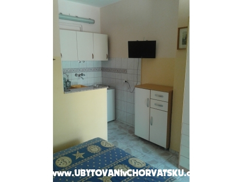 Manda Apartments - ostrov Vir Croatia