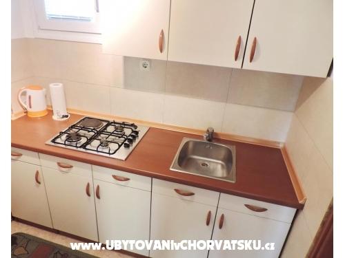 Villa mama Mica - ostrov Vir Hrvatska