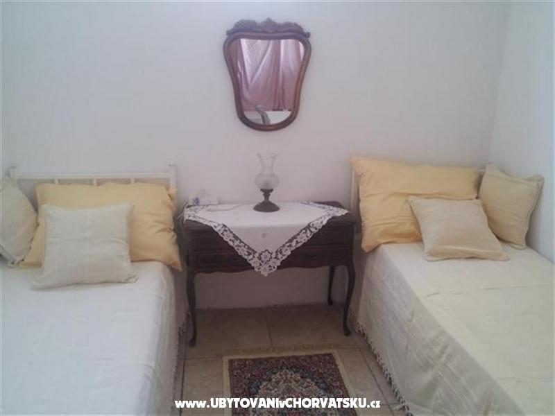 Villa Maria - apartmani Barisic - ostrov Vir Chorv�tsko
