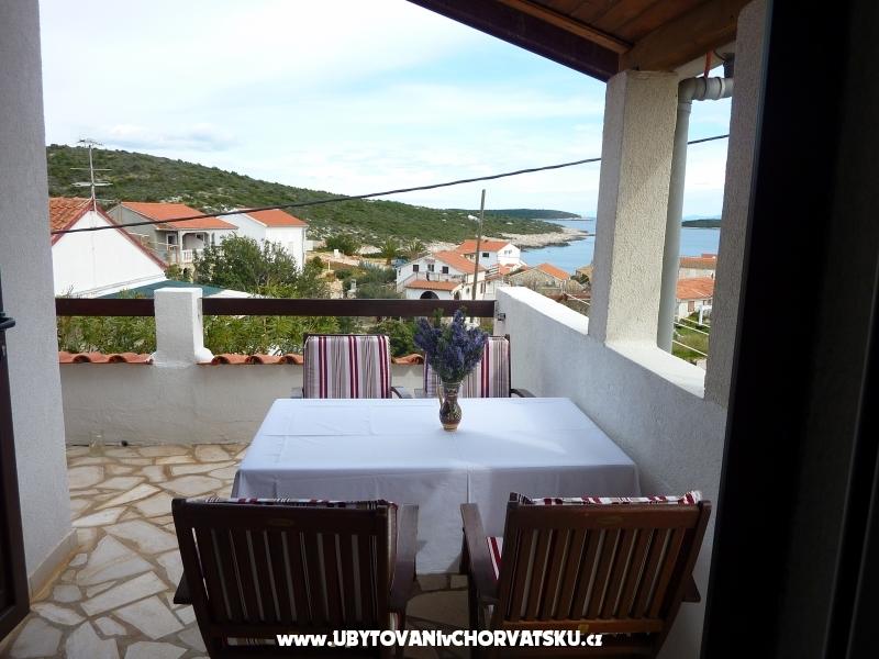 Villa Vinka*** - ostrov Vis Hrvatska