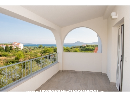 Apartments Bilu� - Vodice Croatia
