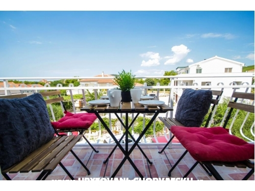 Lola's apartments - Vodice Croatia