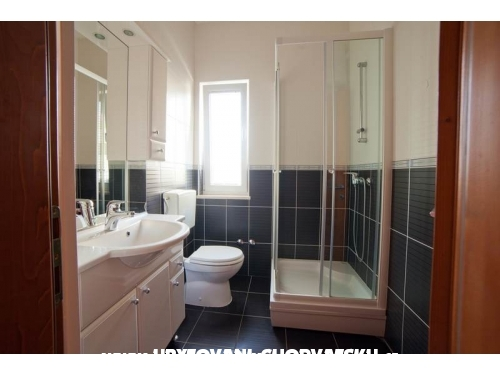 Apartmaji Iris - Vodice Hrvaška