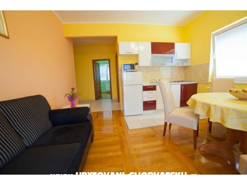 Apartments Iris - Vodice Croatia