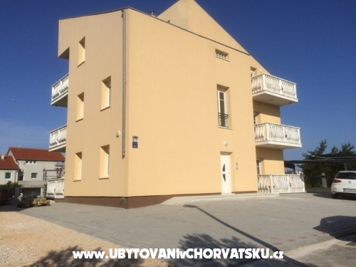 Apartmanok Ivan V - Vodice Horvátország
