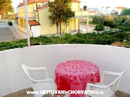 Apartmaji Jabuka - Vodice Hrvaška