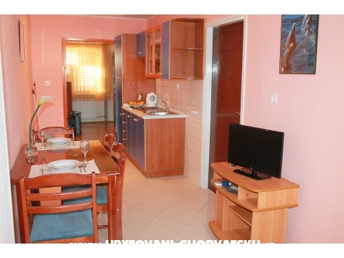 Appartements Juricev 100m to the beach - Vodice Kroatien