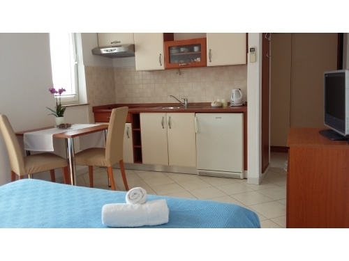 Apartmaji Kraljević - Vodice Hrvaška