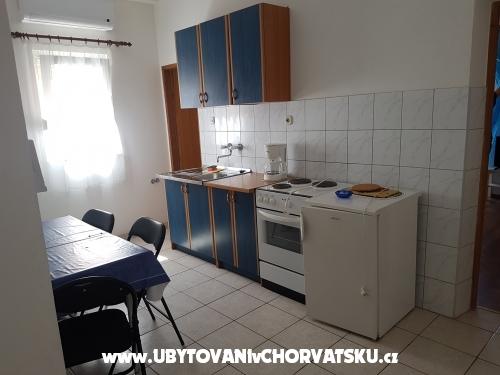 Apartmaji Lucija Vodice - Vodice Hrvaška