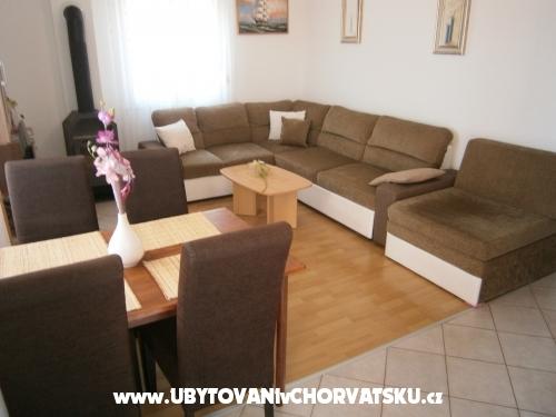 Apartmaji Ana - Vodice Hrvaška