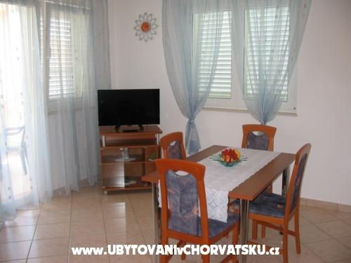 Appartamenti Duzelovi dvori - Vodice Croazia
