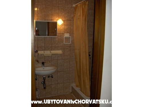 Apartmány - Emelie - Vodice Chorvatsko