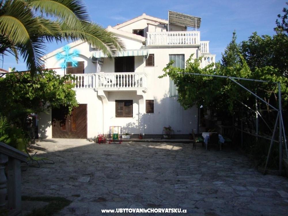 Antonela - Vodice Horvátország