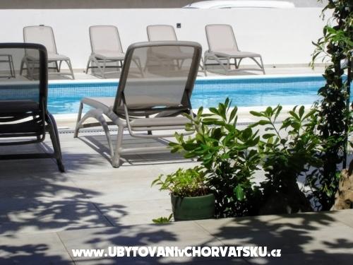 Apartmaji Villa Punta - Vodice Hrvaška