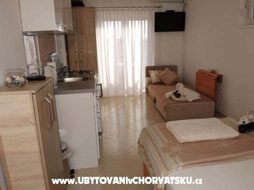 Iva Apartmani - Vodice Hrvatska
