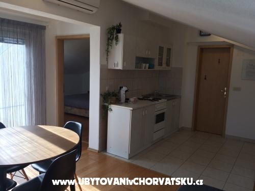 Vachovec - Apartmaji - Vodice Hrvaška