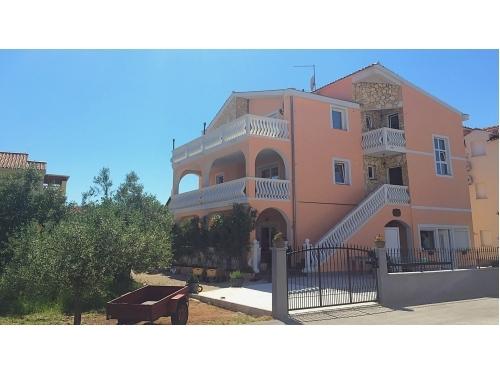 Villa Dolmar - Vodice Chorv�tsko