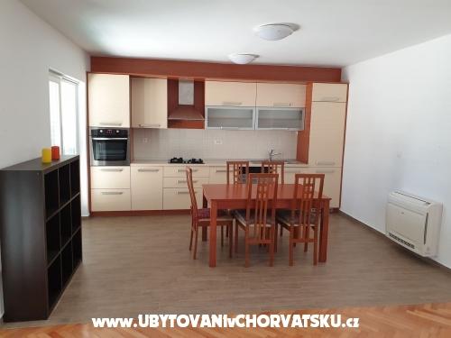 Villa Lucich I. - II. - Vodice Chorvátsko