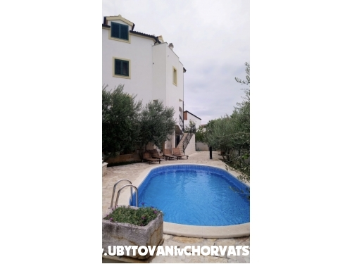Penthouse s bazénom Ruža - Vodice Chorvátsko