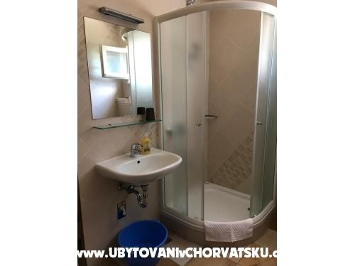 Apartmaji Ksenija - Zaostrog Hrvaška