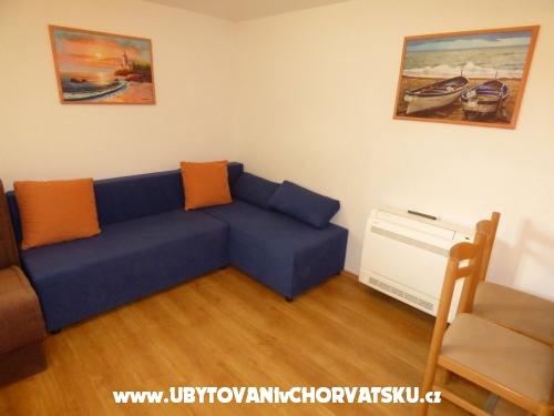 Apartmaji Mezić - Zaostrog Hrvaška