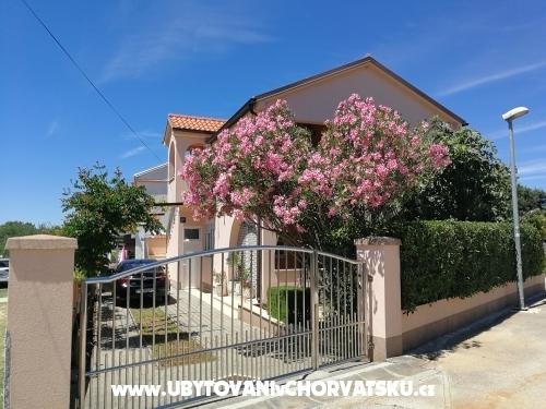 Apartment Mira - Zaton Croatia