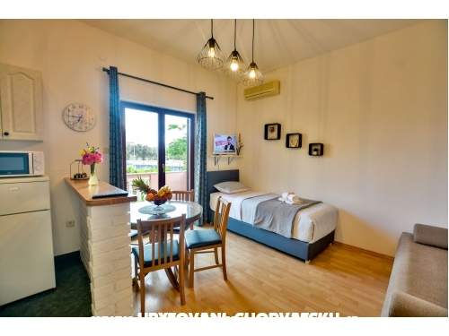 Apartments Martina - Zaton Croatia