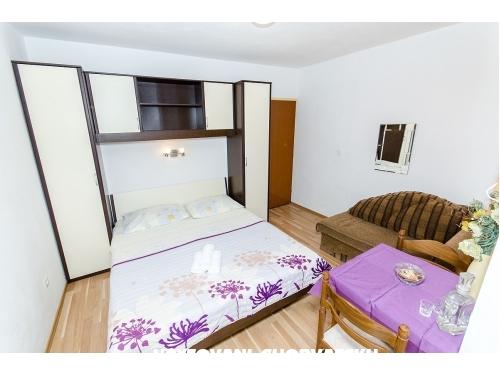 Apartmaji Knezović - Živogošče Hrvaška