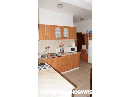 Apartmanok Lily - Živogošče Horvátország