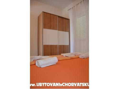 Apartmaji Brajkovic - Živogošče Hrvaška