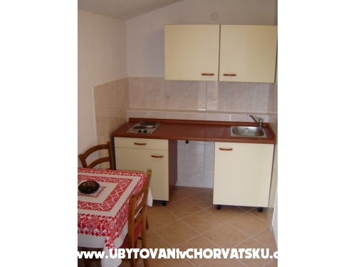 Apartamenty �apat mora - �ivogo��e Chorwacja